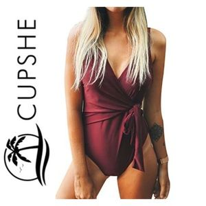 Cupshe One piece Bathing suit